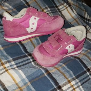 Pink baby Saucony Shoes size 7.5